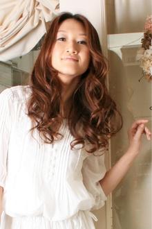 ラフで可愛いロングウェーブ|merci hair salonのヘアスタイル
