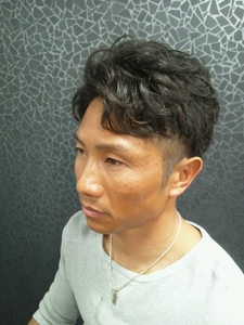 パーマ×ショート|T's gallery - for men's -のヘアスタイル