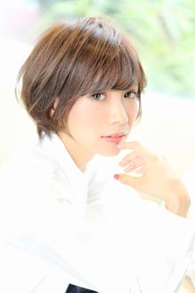 小顔アンニュイショート|Aereのヘアスタイル