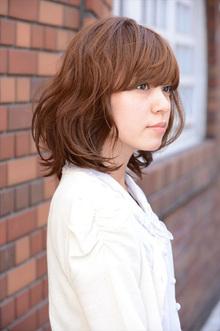 ランダムな毛先とラフさが魅力☆リズミカルミディ|OrBのヘアスタイル