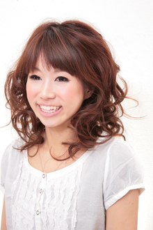 ゆるふわパーマ|Hair&Make BONDのヘアスタイル