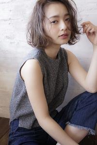 ラフな抜け感可愛い☆小顔ミディボブ