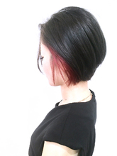 イヤーカフカラー|UNLEASH HAIRのヘアスタイル