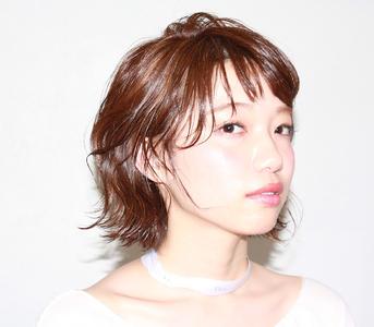セミウェットミディ|UNLEASH HAIRのヘアスタイル