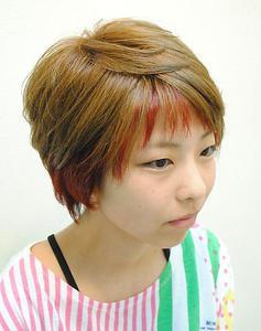 ツートンカラーのこだわり個性派ショート☆|Cure2のヘアスタイル