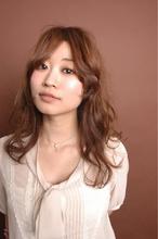 くせ毛風セミディー|one by one CLACCAのヘアスタイル