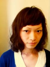 ミディアムパーマスタイル|one by one CLACCA 濱岡 あゆみのヘアスタイル