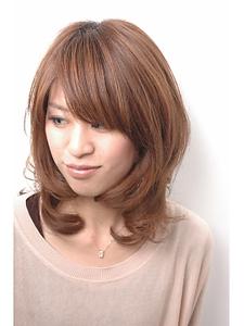 ミディアムウェーブ|one by one CLACCAのヘアスタイル