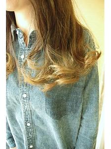 【大前担当】グラデーションカラー|one by one CLACCAのヘアスタイル