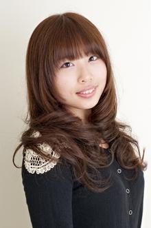 エレガントな雰囲気漂うエアリーレイヤースタイル|JEAN-CLAUDE BIGUINE 目黒店のヘアスタイル