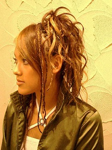 ブレイズ、エクステをあわせたブラックヘアー|美容室パルファンのヘアスタイル