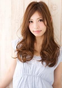 シフォンパーマロング 担当 森|azure/AVEDA hair&spaのヘアスタイル