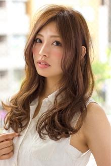 流行のセンターパート♪柔らかカール  担当 大柳|azure/AVEDA hair&spaのヘアスタイル