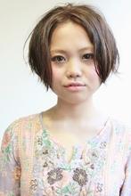 ほんのり前下がりラインのすっきりショート★アレンジver.|SERENDIPITY hair design 本山 美幸のヘアスタイル