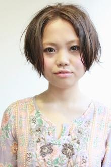 ほんのり前下がりラインのすっきりショート★アレンジver.|SERENDIPITY hair designのヘアスタイル