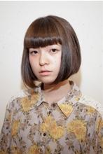 Vバングボブ|femmeのヘアスタイル