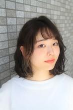 カジュアルなボブにインナーカラーでアクセントを☆|WASHAW Juno 夙川店のヘアスタイル