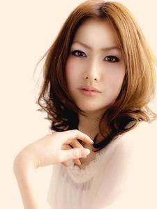 インナーレイヤーで魅せる★重軽ミディアム|EX-grace Hair Resort 深草店 With Coccoloのヘアスタイル