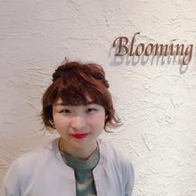 アッシュグレージュ×ショート|Blooming Beauty Stageのヘアスタイル