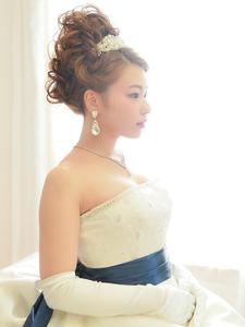 洋装ブライダルヘアセット Blooming Bridalのヘアスタイル