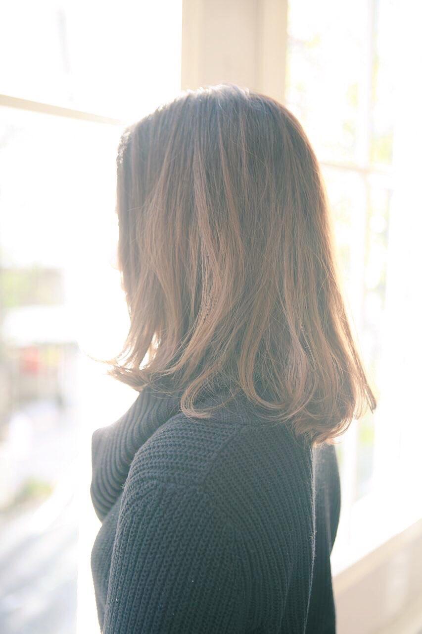 自然な毛流れを動かすミディアム パーマ ボブ