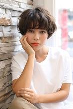 大人の丸みをまとったふわ甘ショート|ROOTS Hirano Tomomiのヘアスタイル