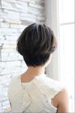 ロングバングの女らしさヘア