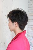 カジュアルアップバングのショートヘア
