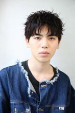 外国人風メンズパーマ|ROOTS Okubo Takuya のメンズヘアスタイル