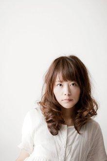 フェミニンウェーブヘア|Hair Healing Wishのヘアスタイル