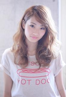 外国人風 / ルーズ WAVE LONG Coletteのヘアスタイル