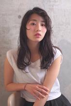 外国人風 / エアリーWAVE / スモーキーアッシュ|Coletteのヘアスタイル