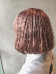 シンプル内巻きボブ×シアーピンク COLETTEのヘアスタイル
