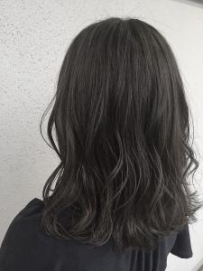 外国人風 アッシュグレー/ハイライト/暗髪/ロブ COLETTEのヘアスタイル