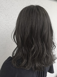 外国人風 アッシュグレー/ハイライト/暗髪/ロブ