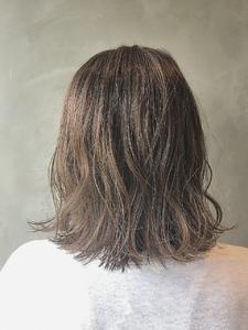 大人可愛い小顔☆外ハネ切りっぱなしくびれセミディ|COLETTEのヘアスタイル