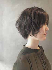 大人かわいい小顔ひし形ショートボブショート|COLETTEのヘアスタイル