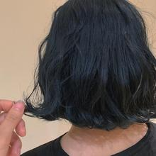 ブルーブラックボブ|Colette 麻由のヘアスタイル