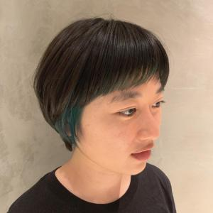 顔まわりインナーカラー:オン眉ショート|COLETTEのヘアスタイル