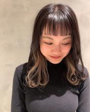 ベージュインナーカラーで個性的に!|COLETTEのヘアスタイル