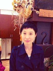 短めバングショート|COM'S / i テラスモール湘南のヘアスタイル