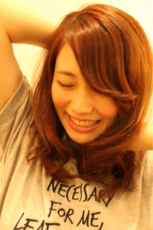 キュートミディアム|COM'S / i テラスモール湘南のヘアスタイル