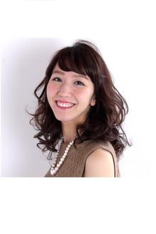 大人の可愛さ溢れるミディスタイル|COM'S 藤沢のヘアスタイル