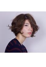 遊びのあるハネ感がポイント!柔らかショートスタイル|COM'S 藤沢のヘアスタイル