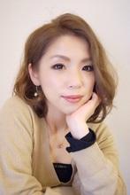 今年春夏の新色 イノセントプラチナカラーでふんわり柔らかなカーリーボブ|K-styleのヘアスタイル