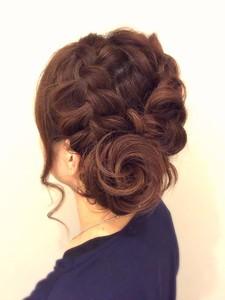 編み込みヘアアレンジ☆|HAIR SALON Beelineのヘアスタイル