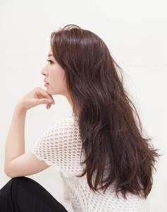ロングパーマ|OnGGのヘアスタイル