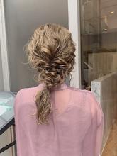 編みおろしアレンジ|Atoroのヘアスタイル