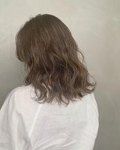 ブリーチなしアッシュグレージュカラー|Atoroのヘアスタイル