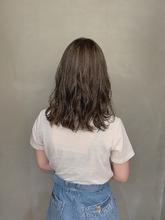 透明感抜群グレージュカラー|Atoroのヘアスタイル